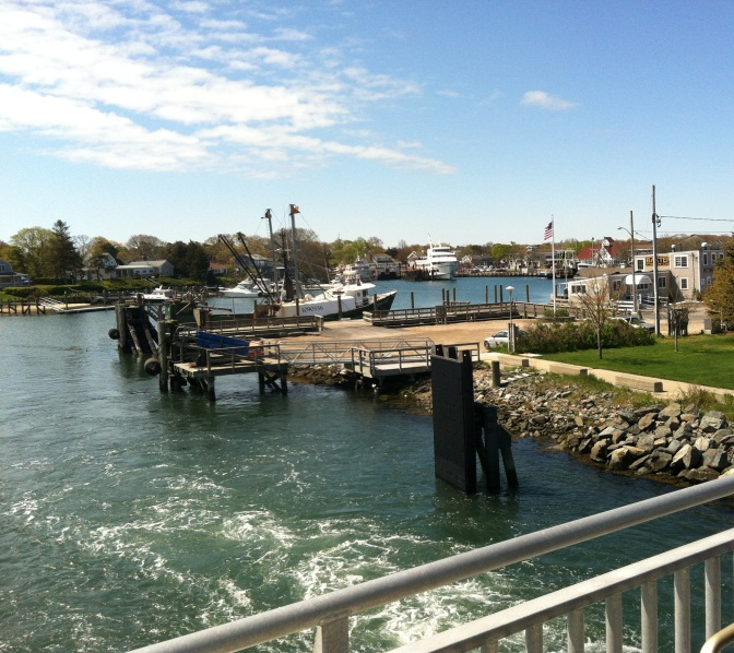 Ferry leaves Hyannis